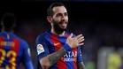 Robert Fernández confirma que Aleix Vidal se queda en el Barça