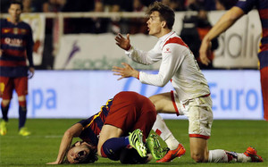 Diego Llorente vio la tarjeta roja por una entrada a Ivan Rakitic