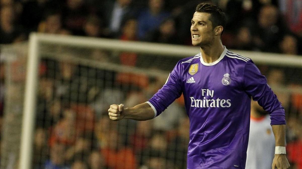 C.Ronaldo đã tâm sự gì với HLV Zidane?