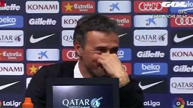 ¡Un periodista se quedó dormido en la rueda de prensa de Luis Enrique!
