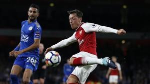 Mesut Özil quiere dejar el Arsenal y fichar por el Manchester United