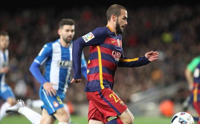 Aleix Vidal, feliz en plena tormenta del derbi de Copa
