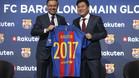 El presidente del Barça Josep Maria Bartomeu, e Hiroshi Mikitani, fundado y CEO de Rakuten, en la presentación del acuerdo de patrocinio celebrado en Barcelona