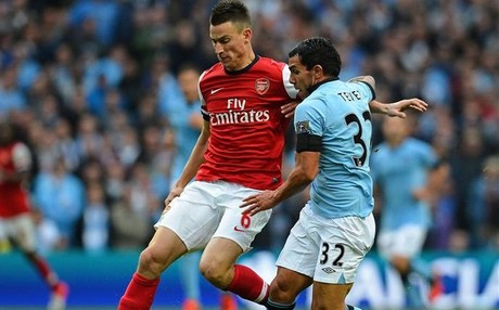 Barcelona make contact with Arsenal over signing Laurent Koscielny [Sport]