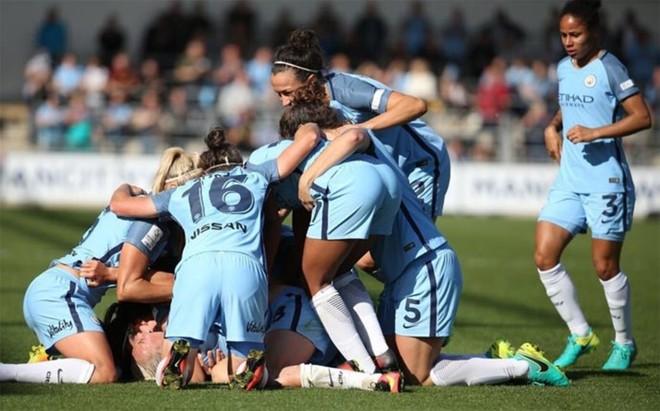 Las jugadoras del Manchester City, celebrando el triunfo