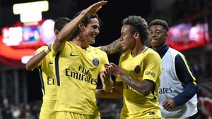 Neymar se entendió a la perfección con Cavani
