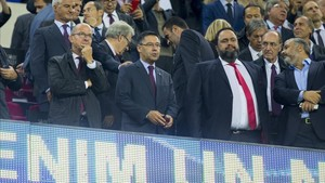 Bartomeu, en el palco del Camp Nou