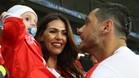 Erjona, la mujer de Dzemaili, la sensaci�n de la Eurocopa 2016