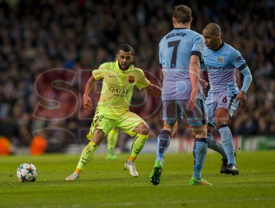 صور : مباراة مانشستر سيتي - برشلونة 1-2 ( 24-02-2015 )  1424816398848