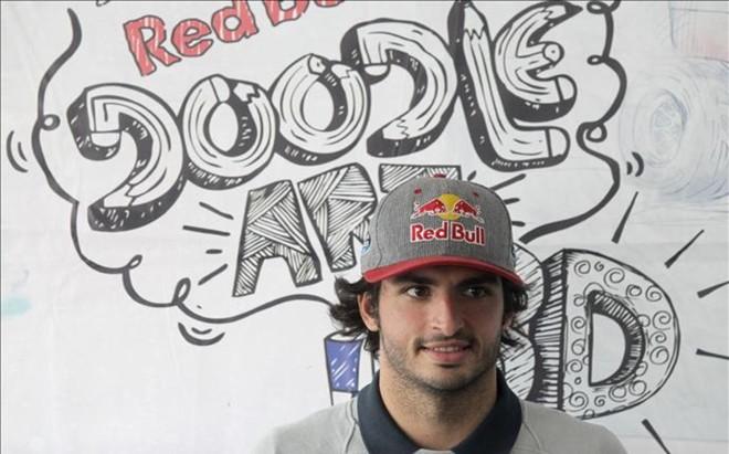 Carlos Sainz en la Universidad Nacional Aut�noma de M�xico