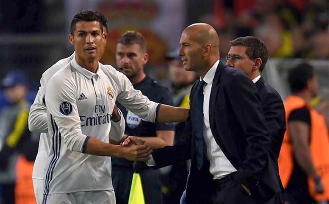 CR7 y Zidane no se aguantaron la mirada ni medio segundo