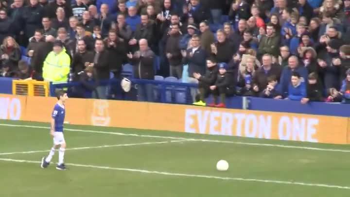 El gol del mes del Everton m�s especial