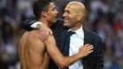 Zinedine Zidane se abraz� a Cristiano Ronaldo para festejar la und�cima
