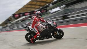 Michelle Pirro, piloto probador de Ducatti, realizó la primera sesión de entrenamientos de Ducati en Jerez