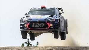 Dani Sordo, en acción a los mandos del Hyundai i20 WRC