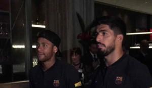 Neymar y Luis Suárez se divirtieron con el PES 2018