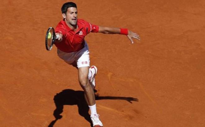 Djokovic ha solucionado su debut en Madrid con solvencia