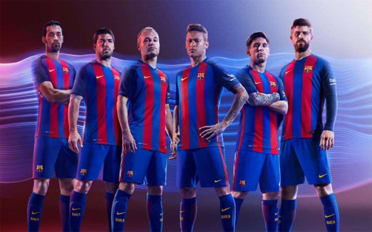 Rò rỉ áo mới đẹp mắt của Barca mùa giải 2016-2017