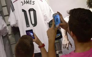 La camiseta de James ya es un éxito de vendas