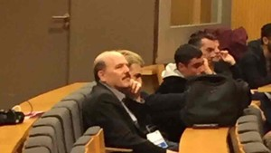 El periodista dormido respondió a Luis Enrique