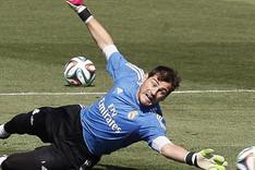 Iker Casillas, en un entrenamiento con el Real Madrid