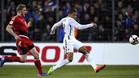 Kylian Mbappe derecha perseguido por Yann Matias Marques durante el Luxemburgo-Francia clasificatorio para el Mundial Rusia 2018