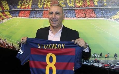 Stoichkov dej� huella con el dorsal n�mero ocho en el Camp Nou