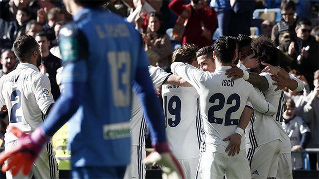 Video resumen con los goles del Real Madrid - Granada (5-0) - LaLiga Santander
