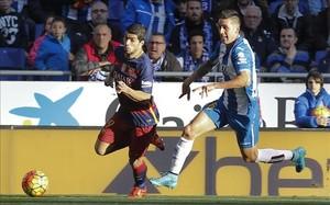 Suárez tuvo en sus botas la mejor oportunidad del partido