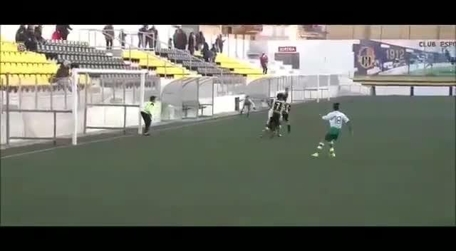 Así marcó el gol el jugador del Cerdanyola Nacho