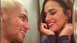 Neymar y Bruna Marquezine son pareja