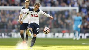 Christian Eriksen, estrella del Tottenham, sigue sonando como refuerzo del Barça