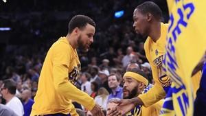 Durant celebra con Curry el título de Campeones de Conferencia