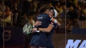 Lucía y Gemma celebran el título en Granada