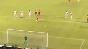 Sherman y Barcos emularon a Messi y Luis Suárez en el penalti