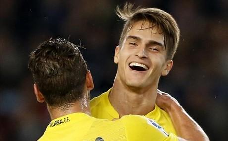 Denis Su�rez disfruta en el Villarreal