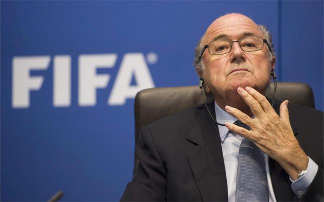 La FIFA desvela que Blatter cobr� m�s de 3 millones de euros en 2015... y unas p�rdidas de 107 millones