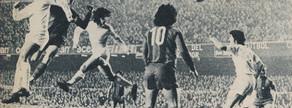 1975. Día de los Inocentes. Neeskens abrió el marcador con este cabezazo. Después empató Pirri para el Madrid y Rexach, en el último minuto, le dio la victoria al equipo de Weisweiler con un lejano disparo que provocó una euforia inolvidable en el Camp Nou.