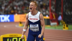 Greg Rutherford, baja sensible en el Mundial de Londres