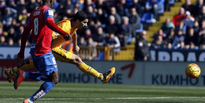 Luis Su�rez anot� el gol de la tranquilidad