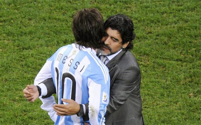 Maradona defendi� a Messi