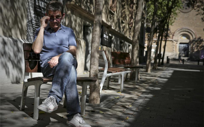 Queco Novell, en el barrio barcelon�s de Gr�cia, que le ha visto crecer