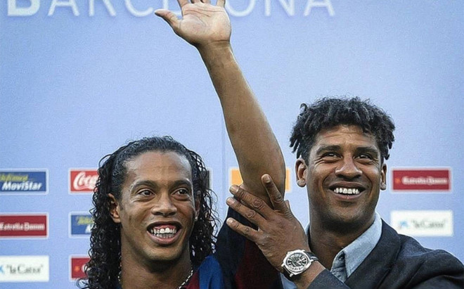 'Ronnie' colg� esta foto junto a Rijkaard