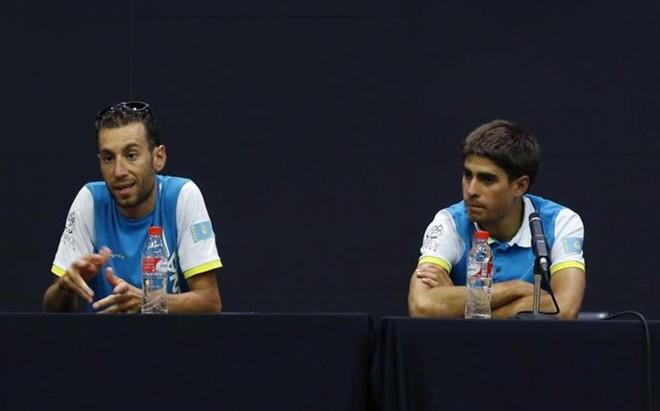 Vincenzo Nibali y Mikel Landa han pasado de correr juntos en Astana a ser los principales adversarios en el Giro de este a�o