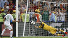 Casillas detuvo el penalti a Moutinho