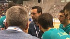Ricard Muñoz dando instrucciones a su equipo durante la semifinal frente al Oliveirense