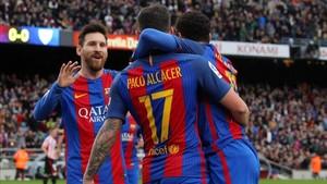 Alcácer, Neymar y Messi, en una imagen de archivo