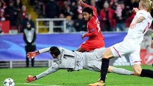 El Sevilla se mostró muy frágil en la Champions ante el Spartak de Moscú