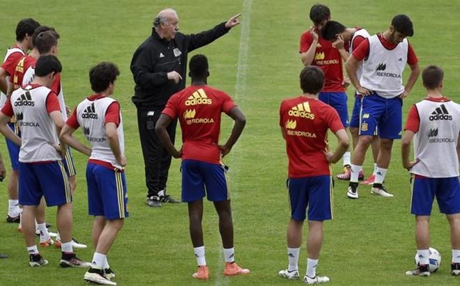 Del Bosque conf�a en Silva y en los j�venes internacionales