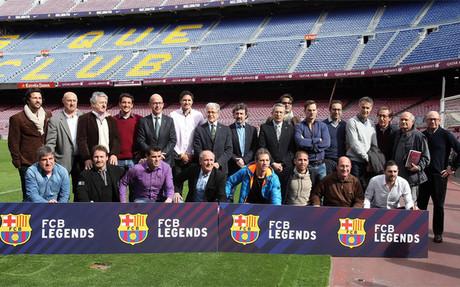 Foto de familia en la presentaci�n del FCB Legends